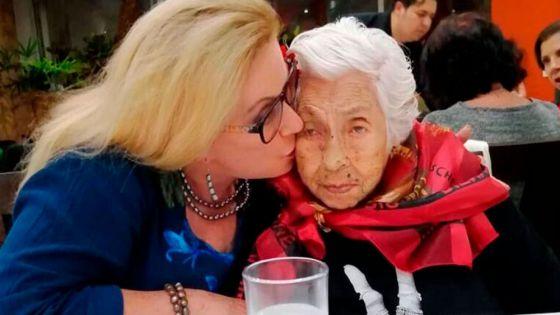 Reaparece la enfermera de la abuelita de Laura Zapata para dar su versión