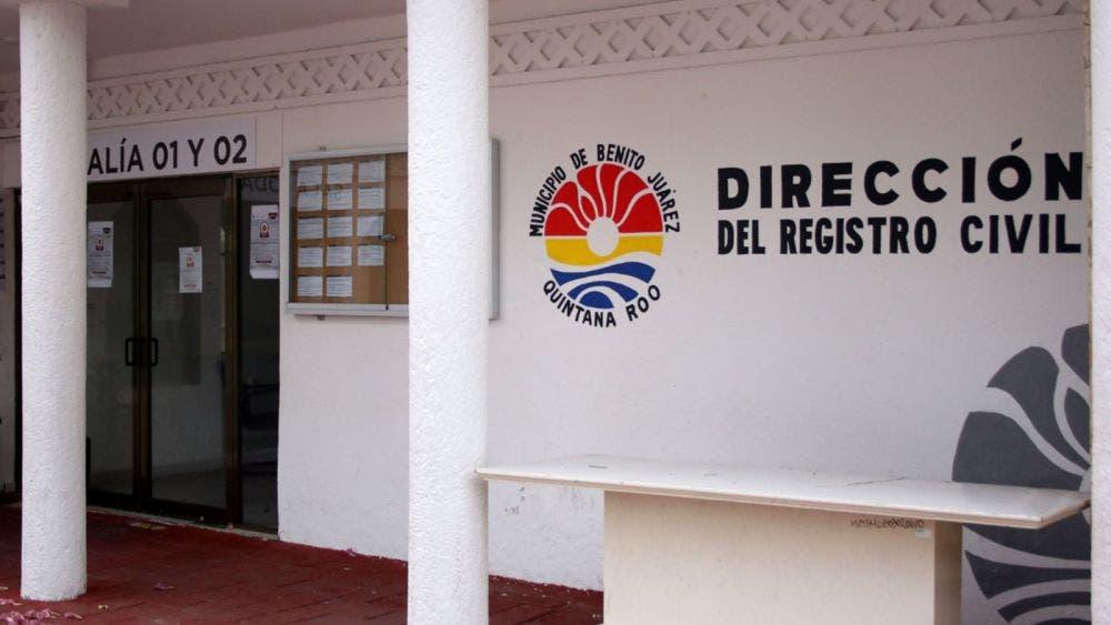 """Se """"cae"""" el sistema en el Registro Civil de Cancún"""
