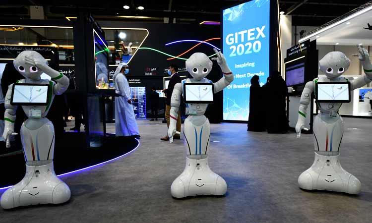 Robots sostienen acalorada discusión por celos, checa el divertido video