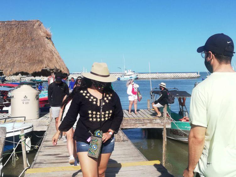 Repunta en Año Nuevo la actividad turística en Holbox.