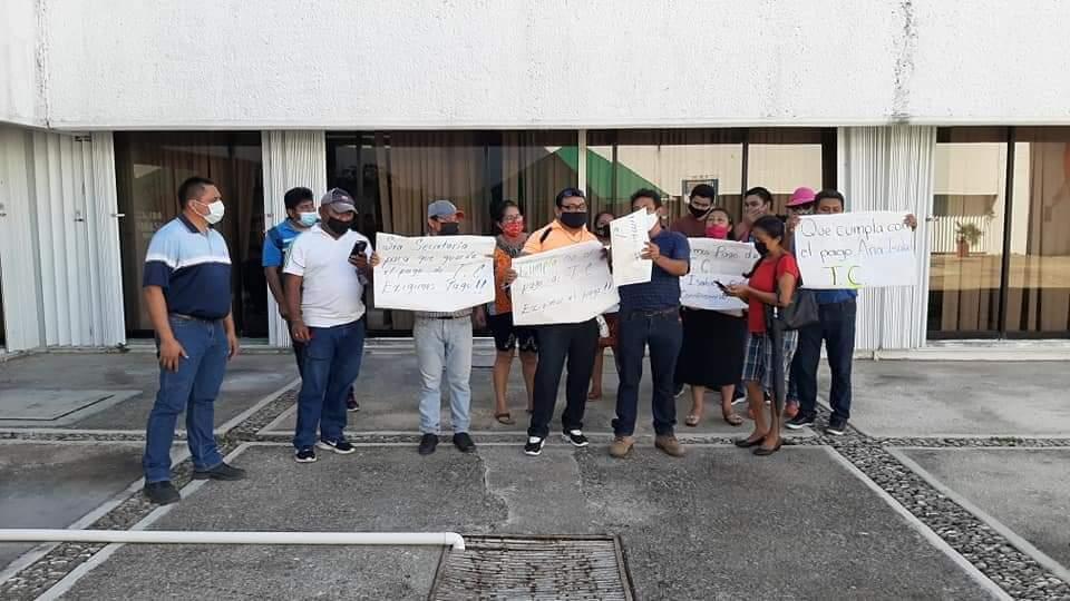 Demandan a la SEQ por despido injustificado y entrega irregular de plazas; el proceso fue iniciado por el Comité de Lucha de Escuelas de Tiempo Completo.
