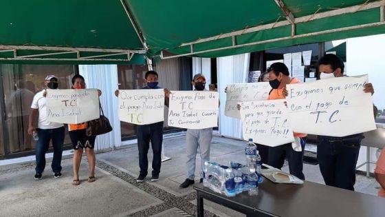 Demandan a la SEQ por despido injustificado y entrega irregular de plazas.
