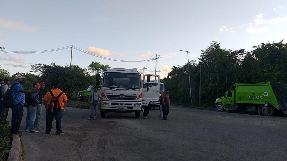Bloquean Intelligencia México Relleno Sanitario de Cancún; exigen que se respete el amparo que les permite brindar el servicio de recoja.