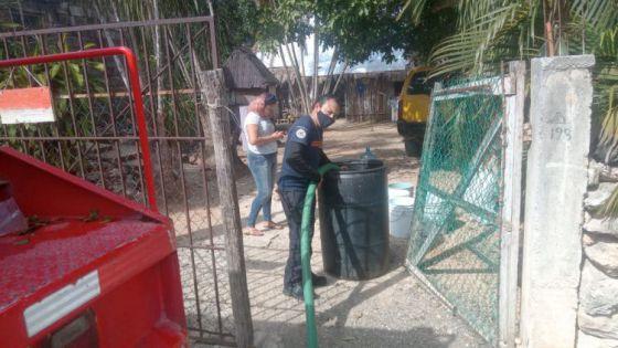 Apoyan con agua potable a familias de la alcaldía de Ignacio Zaragoza.
