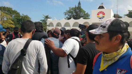 Sigue la inconformidad de trabajadores de Intelligencia México.