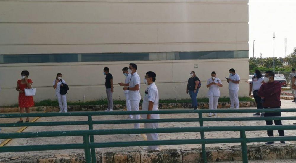 Segundo día de vacunación contra Covid a personal de Salud en Quintana Roo.