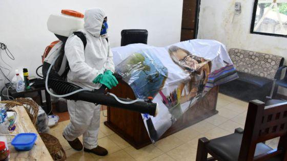 Realiza el DIF de Lázaro Cárdenas trabajos de desinfección por el Covid-19.