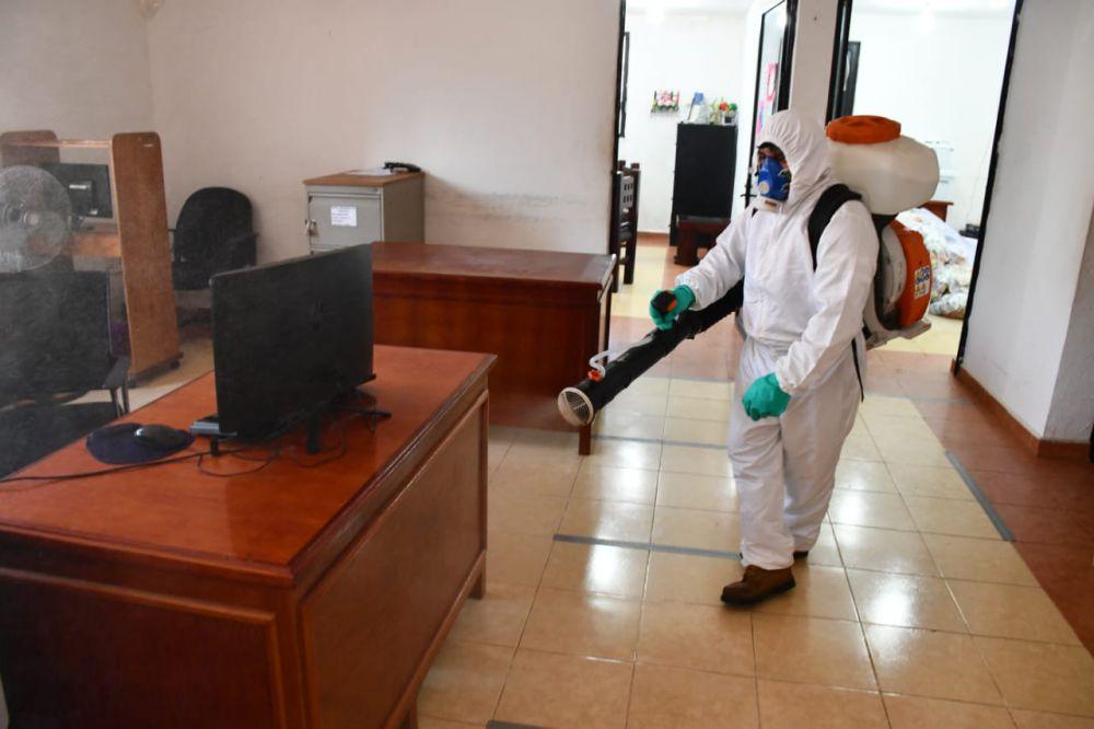 Realiza el DIF de Lázaro Cárdenas trabajos de desinfección por el Covid-19; se refuerzan las medidas sanitarias por el cambio a color naranja.