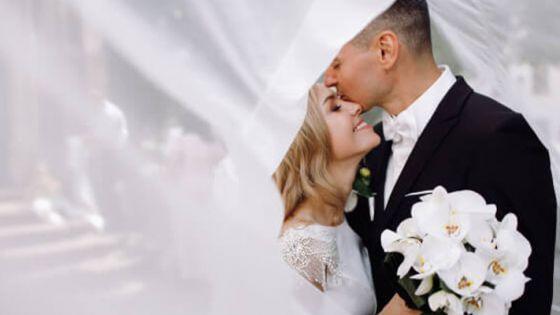 Novio se escapa de boda y su novia se casa con un invitado