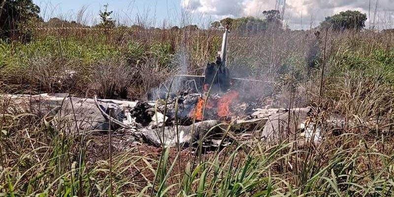 Avioneta se estrella y deja cuatro futbolistas muertos