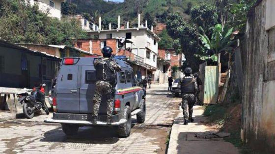 Enfrentamiento entre policías y criminales deja al menos 23 muertos