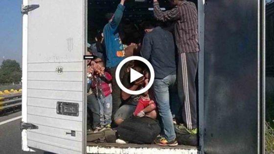 Video: Rescatan a 128 inmigrantes hacinados en un camión