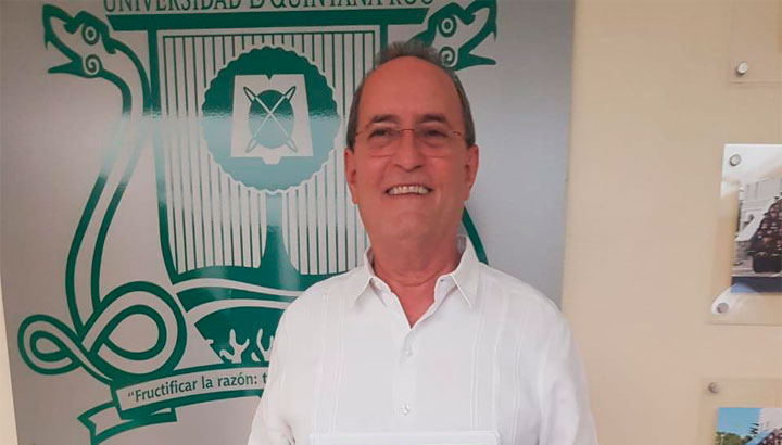Uqroo deja de percibir 13 mdp por becas a alumnos; busca la institución brindar el mayor número de apoyos por la pandemia, afirma al rector Francisco López.