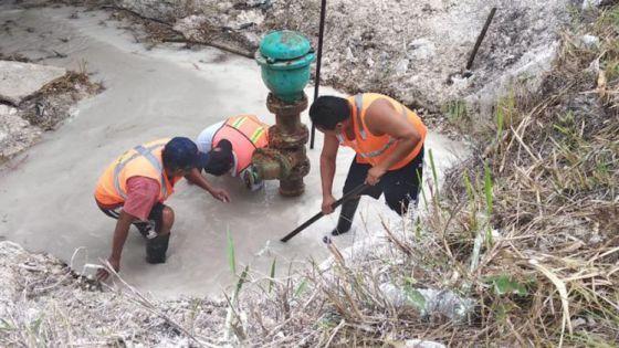 Se fugan miles de pesos por afectaciones a las tuberías de CAPA.