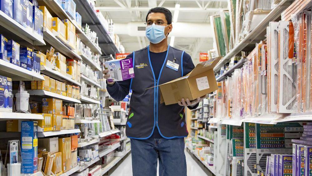 Insisten tiendas de autoservicio en vender la vacuna contra el Covid-19