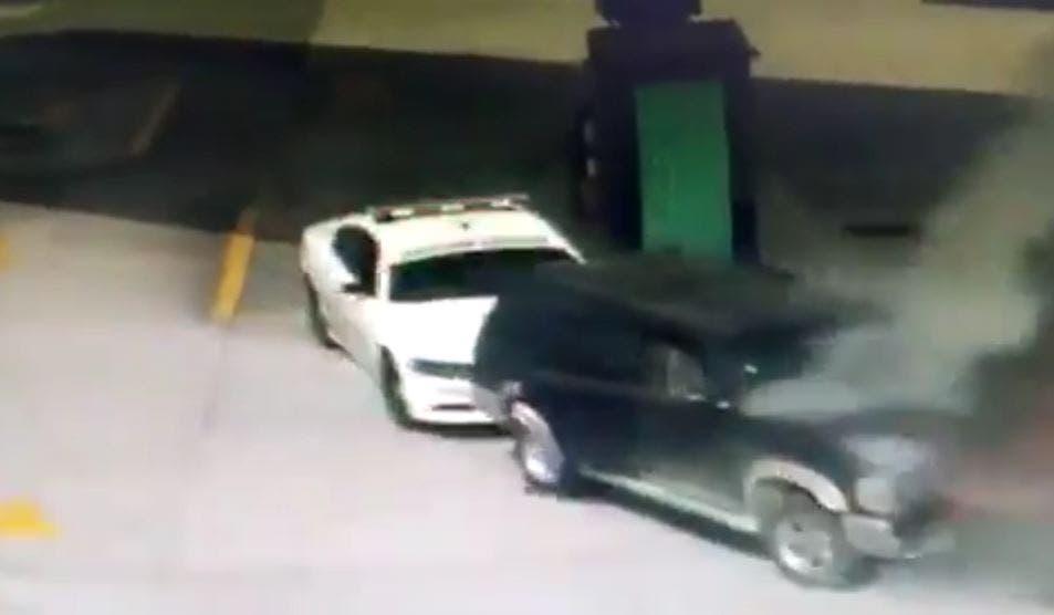 Video: Elemento de la GN evita explosión en gasolinería