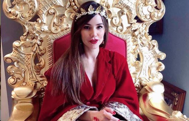 Camila Sodi disfruta desde su yate de unas vacaciones
