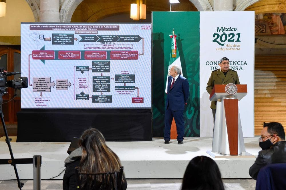 Mañana inicia en México la vacunación de 15 millones de adultos mayores.