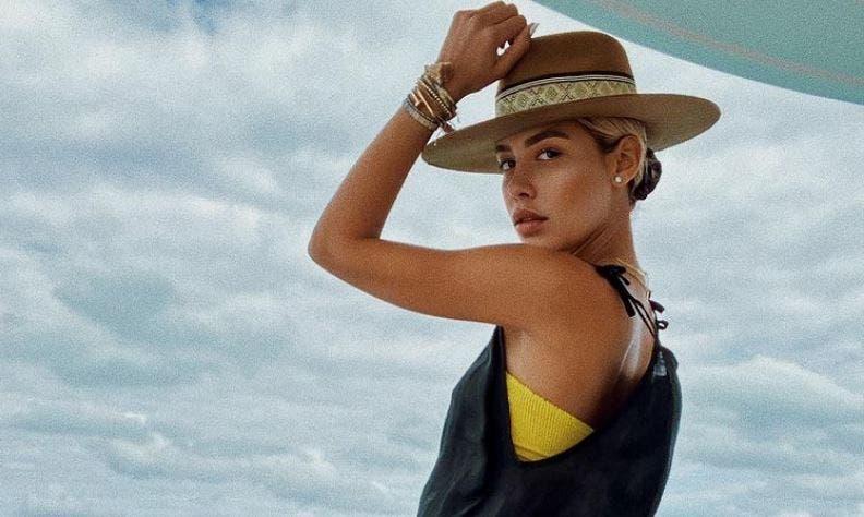 """Filtran foto del anillo de compromiso de Michelle Salas, hija de """"El Sol"""""""