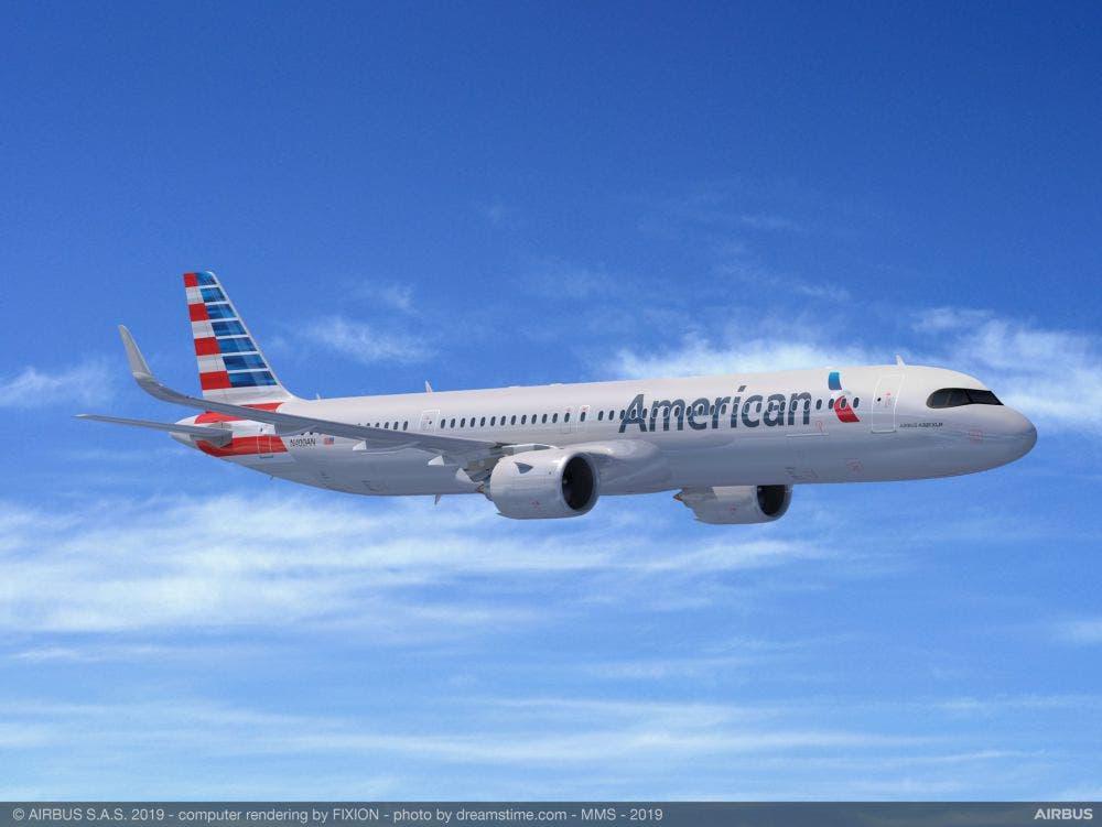 Cuando se desplazaba desde Cincinnati, Ohio, hacia Phoenix, Arizona, un piloto de American Airlines reportó un OVNI