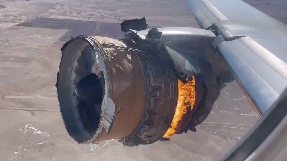 Falla en vuelo otro avión de United Airlines hoy, caen pedazos de su motor
