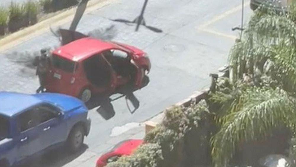 Presunto 'levantón' desata balacera, reportan tres heridos
