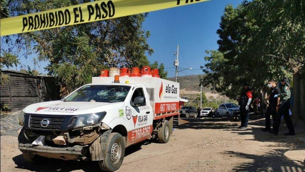 Camión de gas arrolla a niño de un año y muere