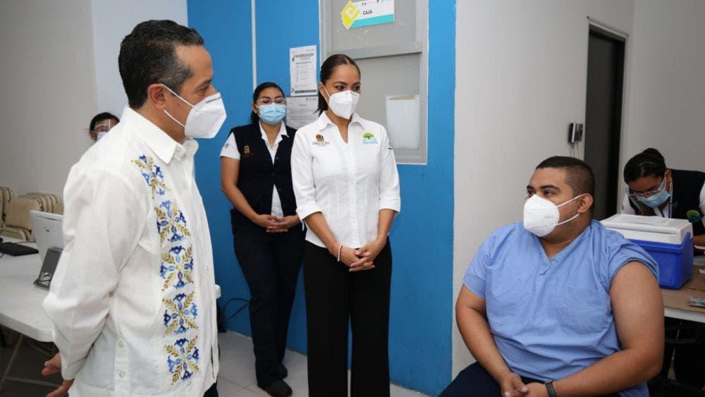Hay más opciones para inmunizarnos y ganar la batalla contra el coronavirus: Carlos Joaquín