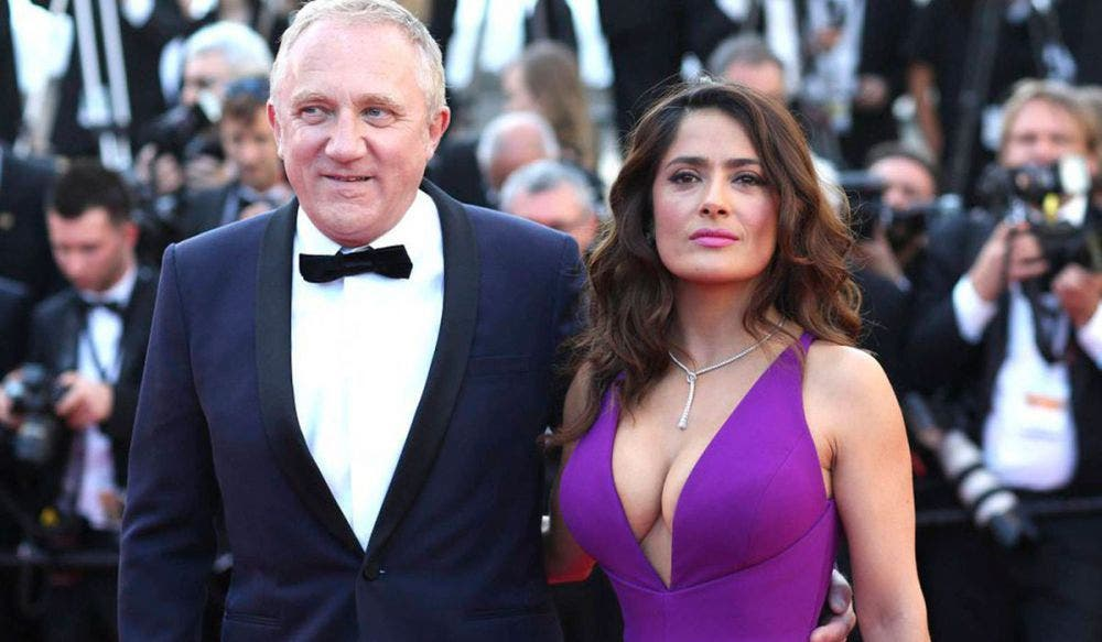 Critican a Salma Hayek por casarse con un millonario