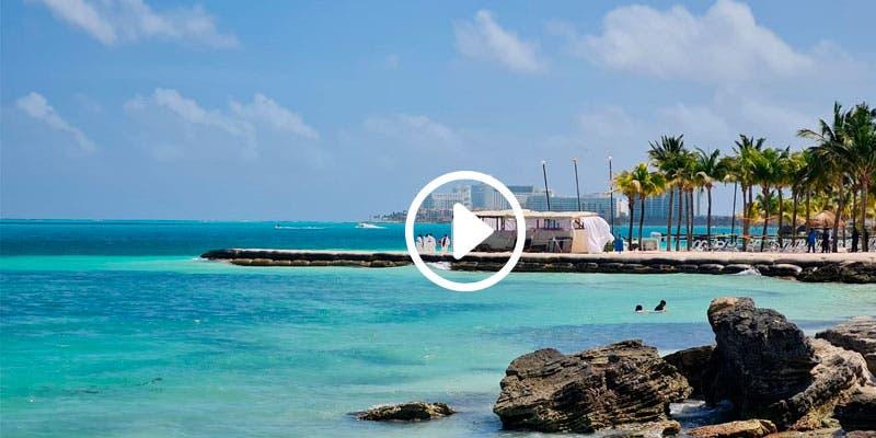 Video: Ejecutan a vendedor ambulante en playa de Cancún.