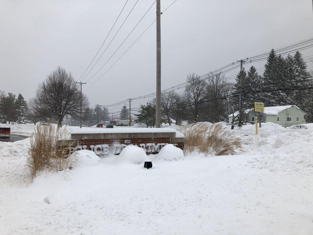 Crudas nevadas azotan el noreste de Estados Unidos.