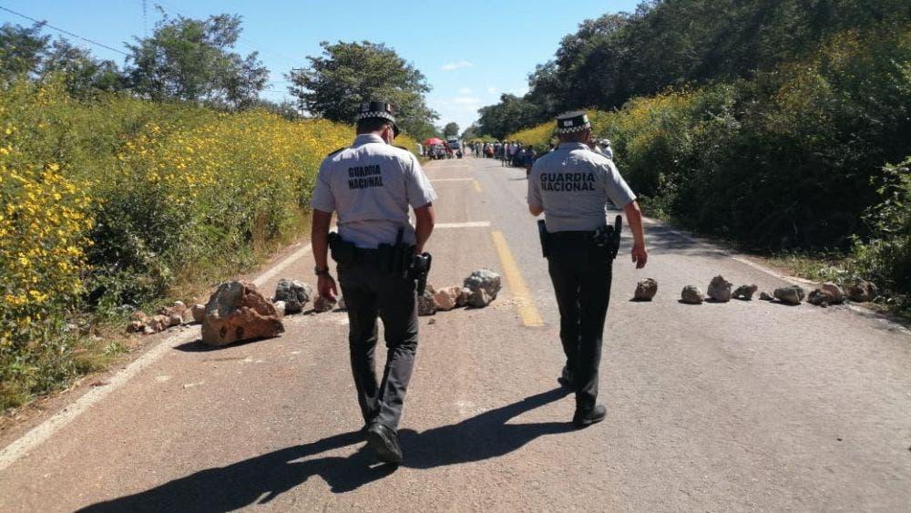 Ejidatarios de Tihosuco vuelven a bloquear la carretera FCP-Valladolid.