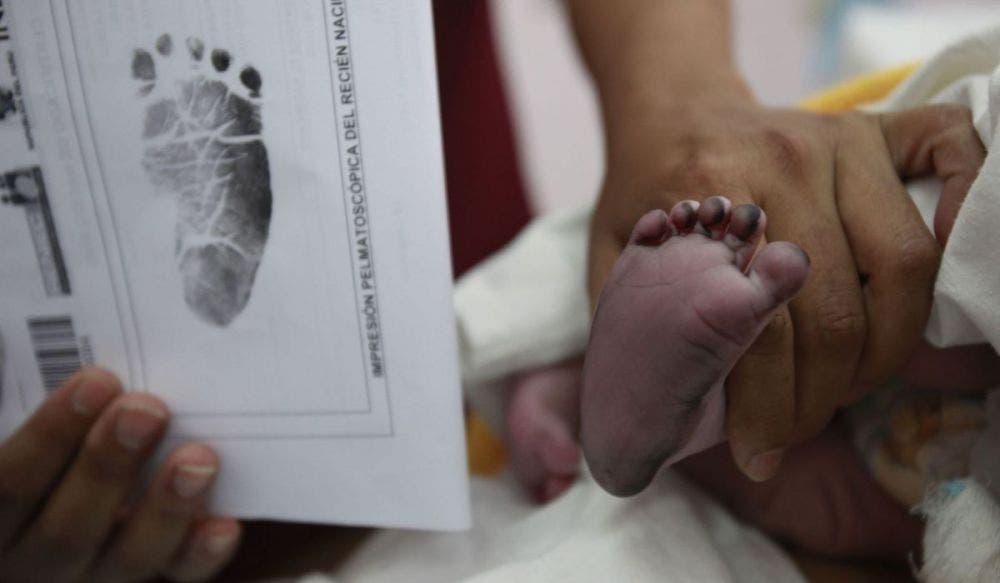 Hacen negocio con recién nacidos en Playa del Carmen