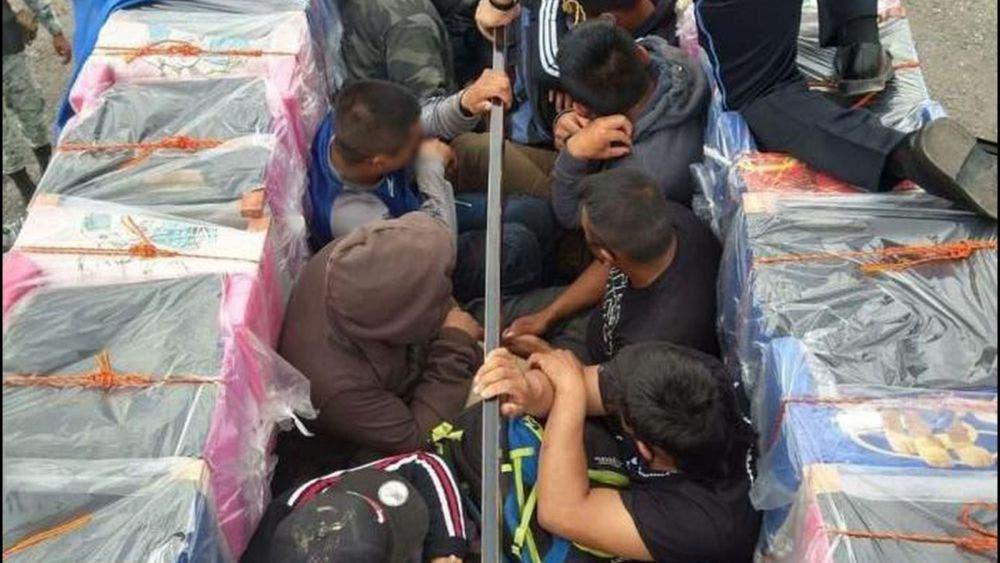 Rescatan a migrantes, estaban deshidratados