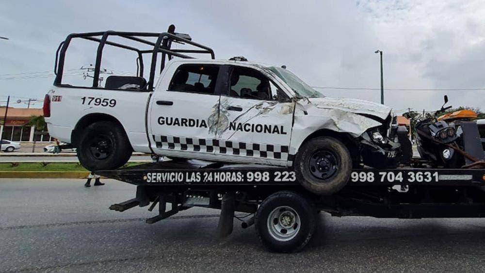 Choca patrulla de la Guardia Nacional en Cancún, hay varios lesionados
