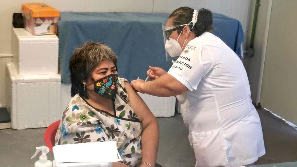 Inicia aplicación de segunda dosis de vacuna Pfizer a personal de Salud