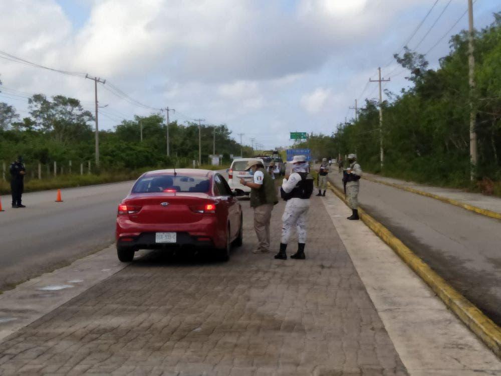 En Cozumel realizan operativo para detectar extranjeros ilegales.