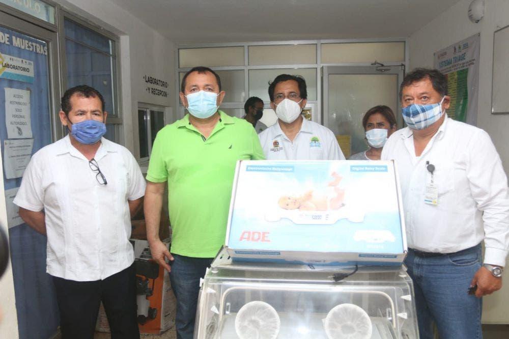 Entregan equipo médico al Hospital Integral de Kantunilkín.