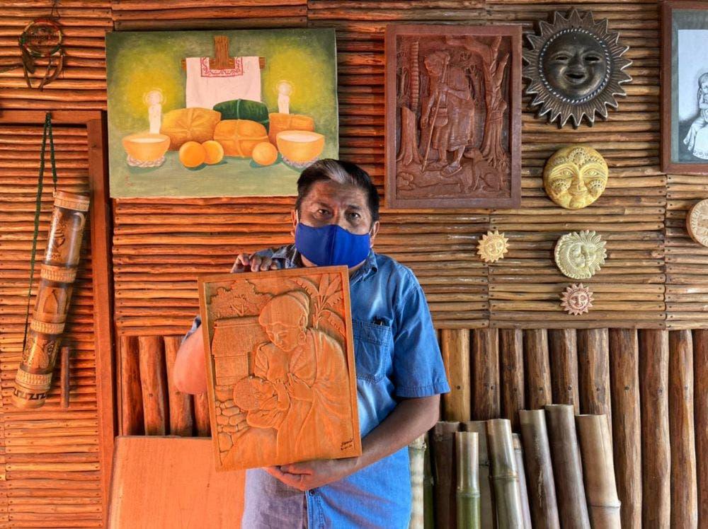 Escultor maya de Felipe Carrillo Puerto busca conservar las tradiciones.