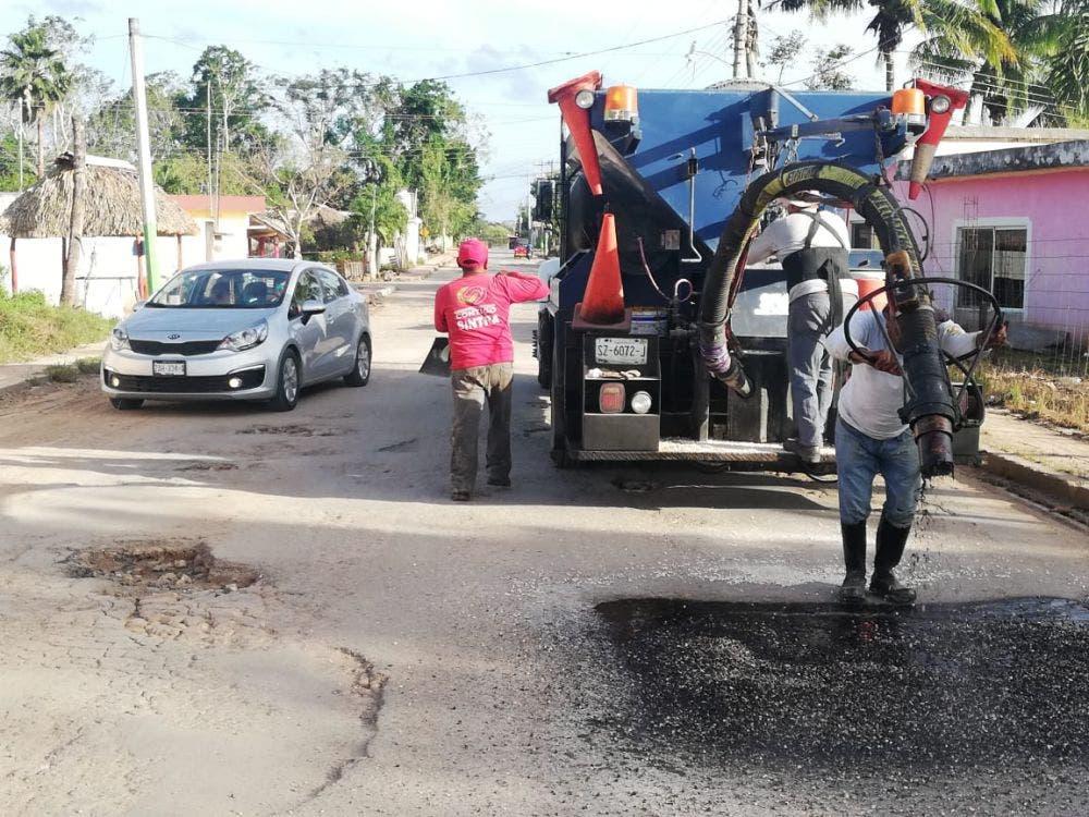 Arranca la reconstrucción y revestimiento de calles en Lázaro Cárdenas.