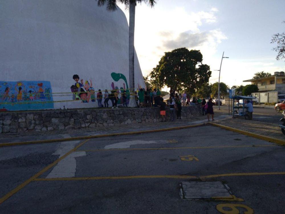 Grupos Pro-Vida instalan campamento en el Congreso de Quintana Roo; se mantendrán ahí hasta que se dictamine la despenalización del aborto.