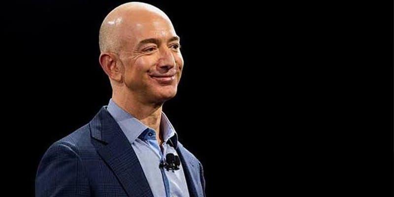 Jeff Bezos quiere comprar un equipo de la NFL