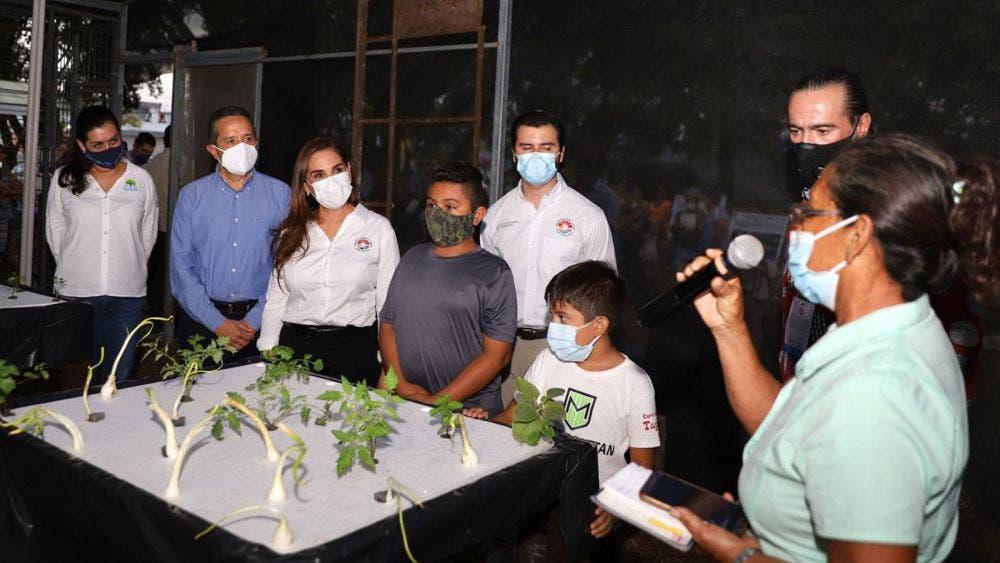 En lo que fue un basurero, Carlos Joaquín inaugura un Huerto Urbano en Cancún