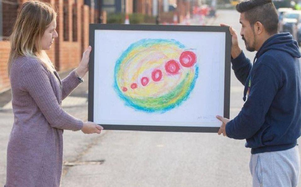 Paseando por un mercado de Ecuador, un hombre compró una pintura en tamaño A3 por tan solo un dólar y resultó una obra de arte