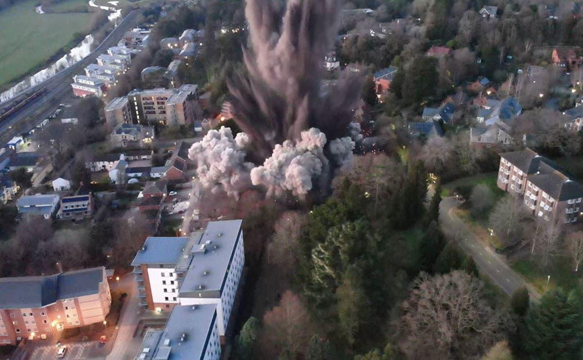 Daños estructurales en varias propiedades de la ciudad de Exetercausó la explosión controlada de una bomba de la Segunda Guerra Mundial