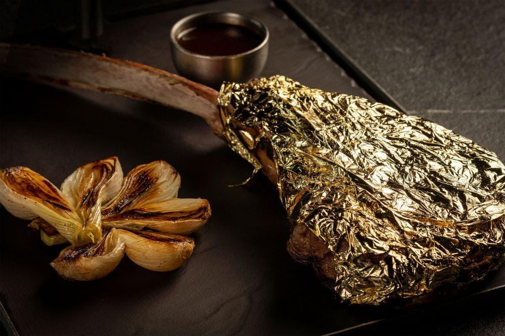 24 quilates de puro sabor: Tomahawk 24 K de Harry's restaurante