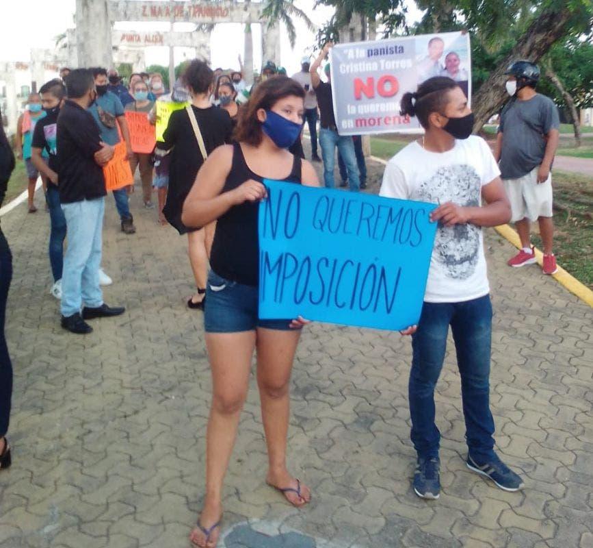 Morenistas de Playa del Carmen rechazan a Cristina Torres.