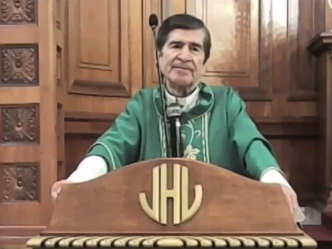 """El obispo Antonio González , de la diócesis de Ciudad Victoria, Tamaulipas, aseguró que usar """"el famoso cubrebocas"""", es no """"confiar en Dios""""."""