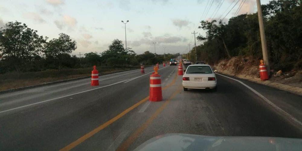 Precaución: Cierran tramo carretero en el sentido Playa del Carmen-Puerto Morelos.