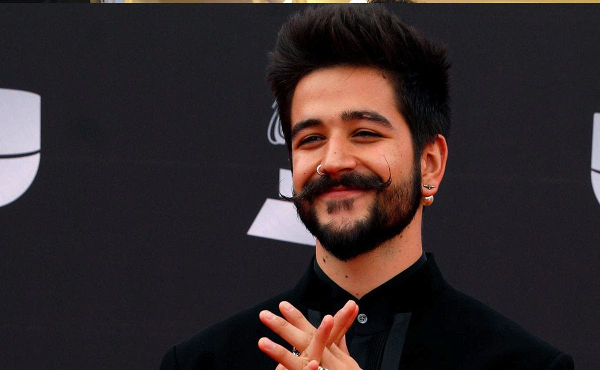 Camilo aparece con nuevo look, sin barba ni bigote